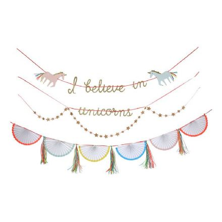 """I believe in Unicorns"" Party Garland"